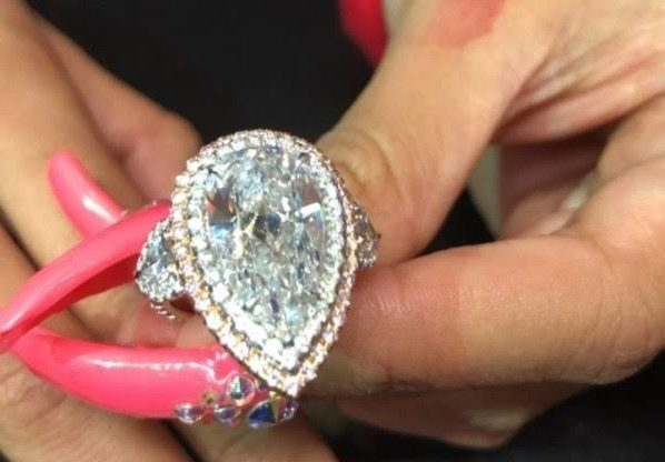 Cardi B Ring: Cardi B Wins Over $ 1 Million Ring As Offset Birthday Gift