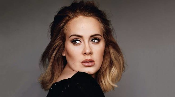 Adele Reappears On Twitter, But Doesn't Talk About Music