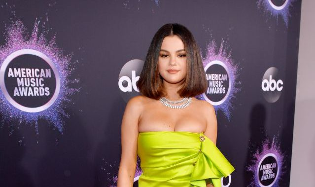Taylor Swift And Hayley Become Crazy With The Performance Of Selena Gomez Somag News
