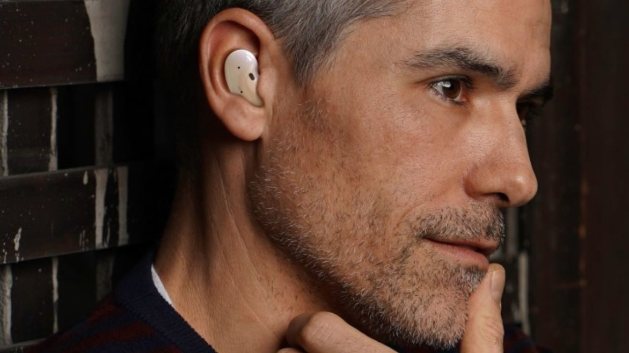Samsung's Next-gen Galaxy Buds Leaked; Shows Bean-like Design