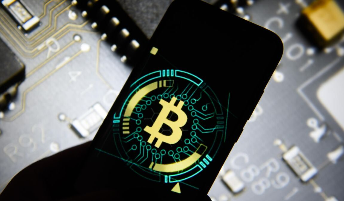 bitcoin dark market)