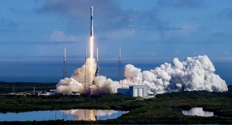 SpaceX to Build Rocket Launching Facilities on Sea for Mars Mission
