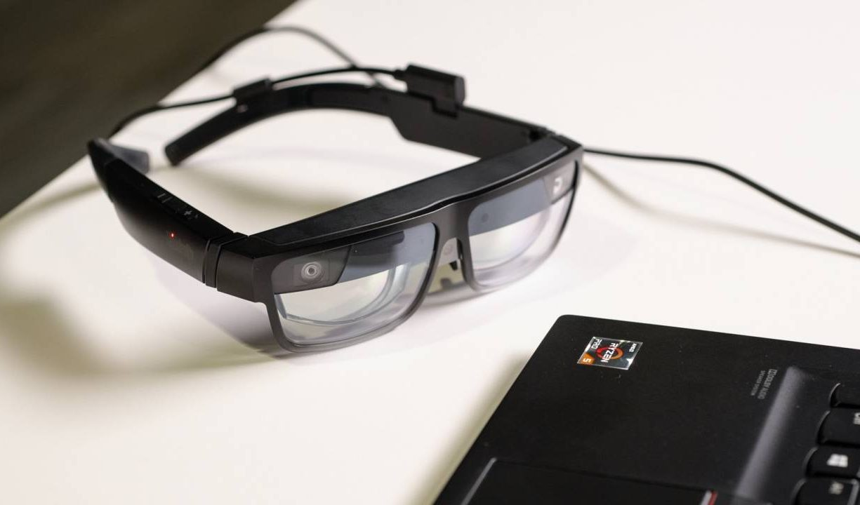 Lenovo ThinkReality A3 Smartglasses Can Handle 5 Displays At A Time