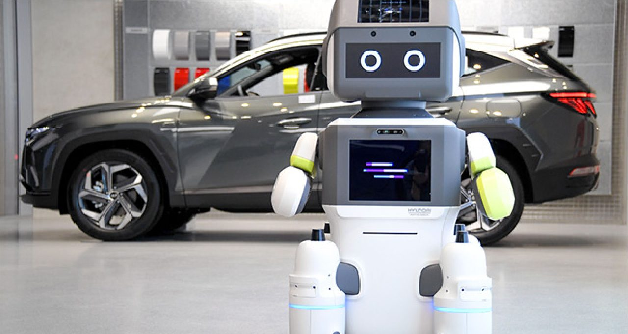 Tech Hyundai rolls out DAL-e robot for testing in Songpa